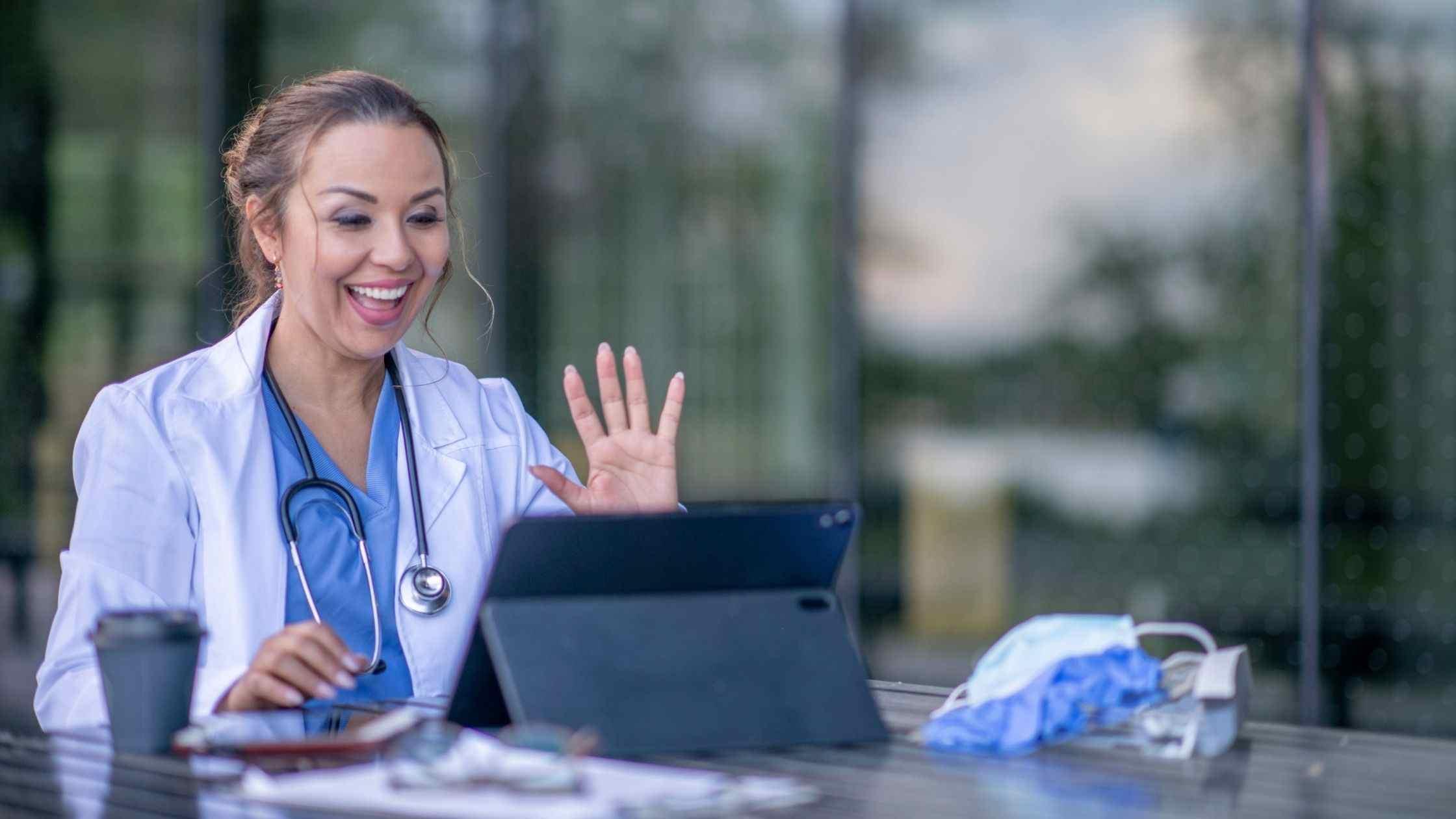 doctor treating patient online